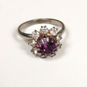 Vintage prong set amethyst colored ring 6.5